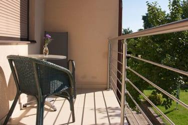 Ferienwohnung Anneliese - Balkon mit Sitzgelegenheit
