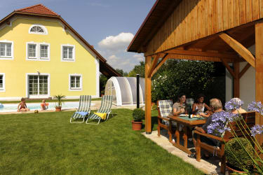 Garten Schwimmbad mit Terrasse