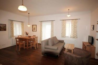 Wohnzimmer bzw. Esszimmer Dorfschmiede