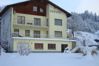Pension Klug Winteransicht