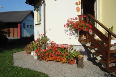 Haus Gertrud - Ausgang zum Garten