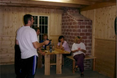 Forellenhof  Spielhütte mit Dart, T-Tisch, Wuzler