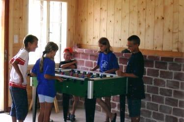 Forellenhof  Spielhütte mit T-Tennistisch, Dart, ...