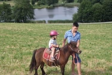 Ponyreiten am Pferdehof Hoffmann