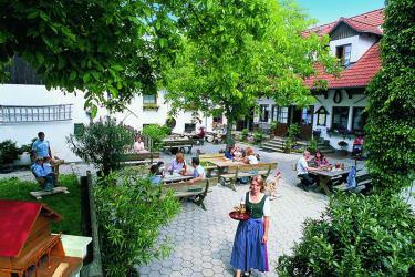 Bauer & Wirt Langthaler - Gastgarten