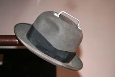 der tragbare Hut zum Ausleihen