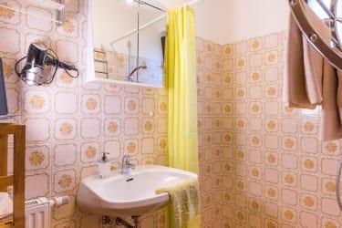 Bad und Dusche Sonnenblumenapartment