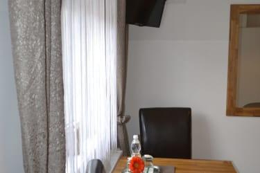 Sitzgelegenheit Zimmer Riesling