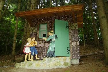 Zwergerlhof - Die Märchenfiguren sind ein bißerl kleiner als Erwachsene
