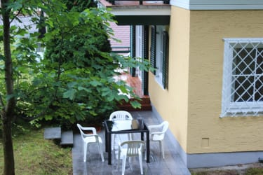 Terrasse mit Gartenzugang
