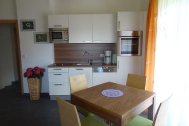 Haus Kölch - Bärenwohnung - Küche und Essbereich
