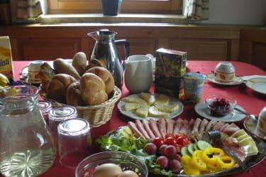 BIO-Frühstück am Bergbauernhof Kurzeck