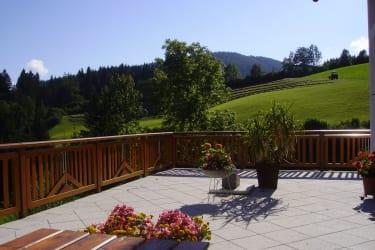 Biohof Teufel - Sonnenterrasse (Quelle Schedlmayer)
