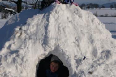 Schneehöhle