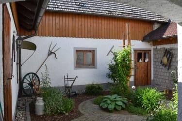 Biohof Steiner - Innenhof
