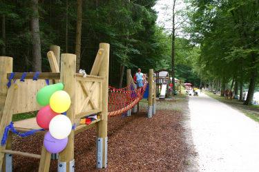 Spielplatz entlang des Holzöstersees