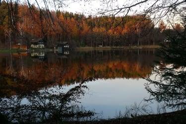 Holzöstersee im Herbst