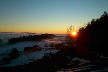 Wunderschöner Sonnenuntergang mit herrlicher Fernsicht