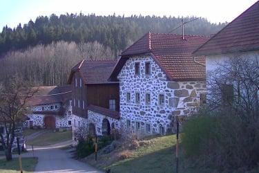 Steinbloßbauernhaus