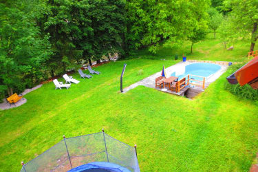 Pool, Trampolin, Grünoase