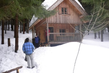 Hütte im Wintermantel