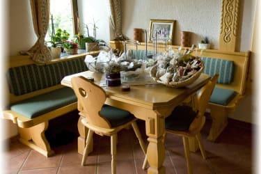 Gemütliche Sitzgelegenheit beim Frühstück