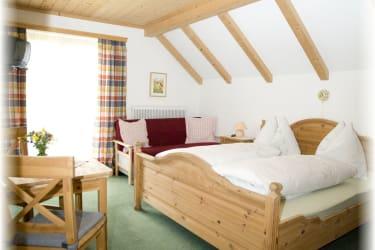 Schlafzimmer Dreibettzimmer Margartie