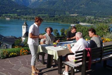 Frühstücken am Altroiterhof