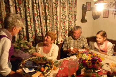Gästeehrung Fam. Holler 45 Jahre Urlaub am Plaiknerhof
