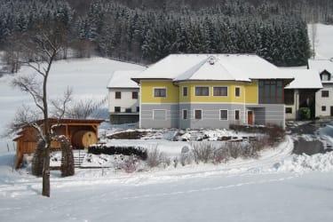 Bauernhaus-Winter