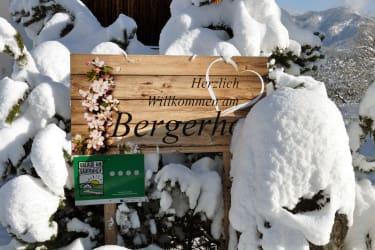 verschneite Hoftafel
