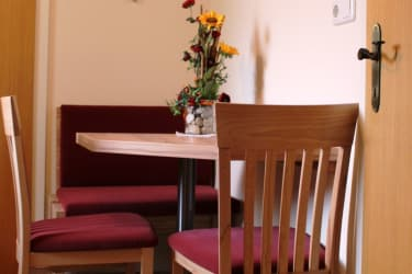 Ferienwohnung Morgensonne - Sitzgelegenheit in der Küche