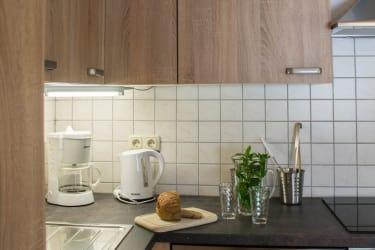 Vollausgestatte Küche mit Geschirrspüler