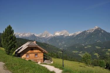 Panoramahütte mit Bergblick