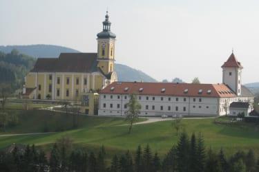 Stift und Stiftskirche Waldhausen