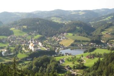 Blick von der Aussichtswarte auf Waldhausen