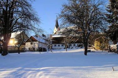 verschneiter Wintergarten