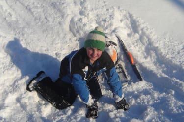 Im Schnee ist es sehr lustig