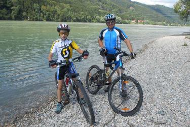 Mountainbiken Max und Andreas
