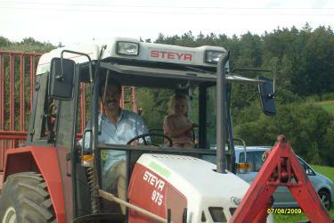 Traktorfahrt mit Bauer