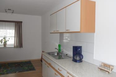 Aufenthaltsraum mit Küche und Spieleecke