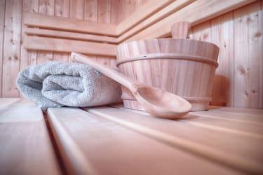 Sauna mit Farblichttherapie und Musik!