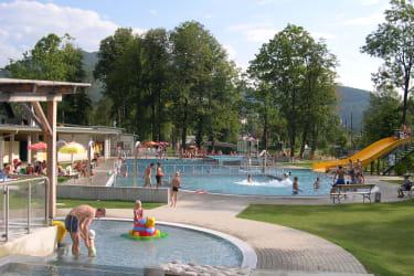 Das Weyrer Erlebnisbad mit der Einbindung des Gaflenzbachs wird von unseren Gästen gerne besucht