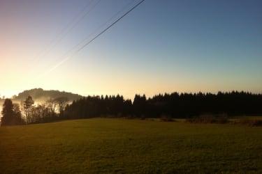 Blauer Himmel Grüne Wiesen