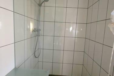 Dusche Doppelzimmer Kohlmeise