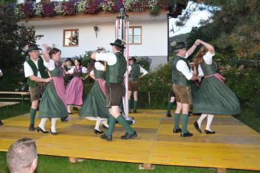 Volkstümlicher Tanz - Der Hausherr ist Obmann der Trachtengruppe D'Schobastoana