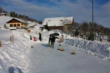 Eisbahn mit Tom