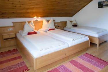 Dreibettzimmer 24