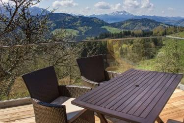 Terrasse mit Blick auf den Schafberg