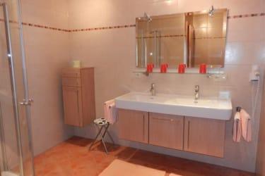 Das Bad der neuen Ferienwohnung Nr. 1